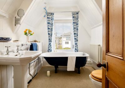 Luxury 5 star holiday accommodation by the beach in Polzeath, Cornwall | Atlantic View Holidays
