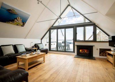 Luxury, contemporary holiday accommodation in Polzeath, Cornwall   Atlantic View Holidays